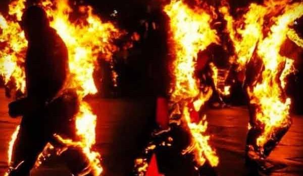 La sostenibilidad de la vida es inversamente proporcional a personas en llamas